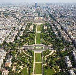 مقایسه شهرسازی اصفهان در دوره صفوی با شهر آمستردام